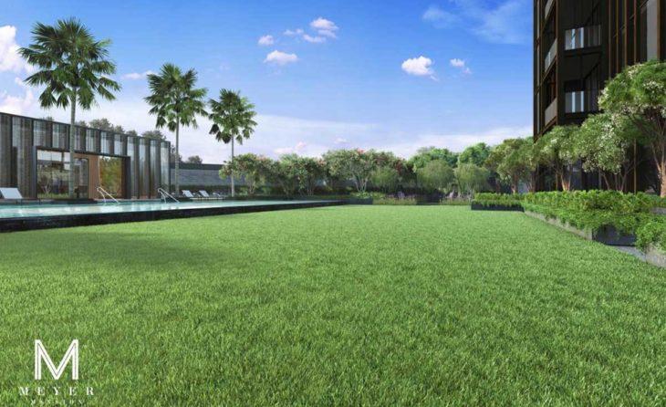 meyer-mansion-condo-lawn