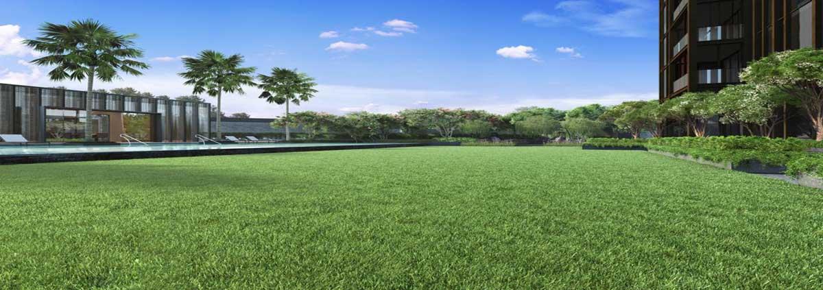 meyer-mansion-condo-lawn-slider